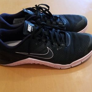 Nike Metcon 4 (Black/Pink)